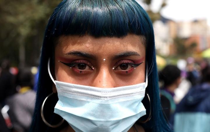Retrato a una joven manifestante