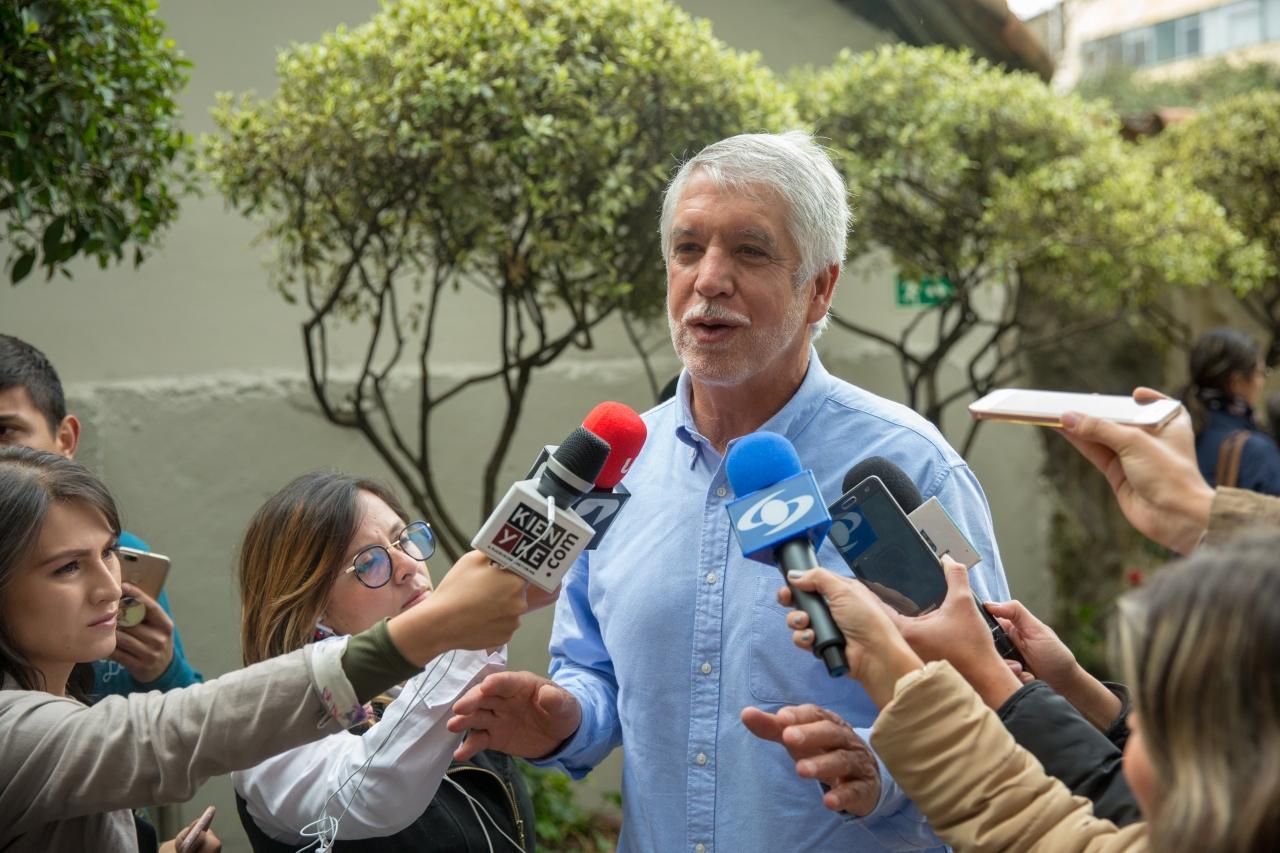 Alcalde de Bogotá y promotores de la Consulta Anticorrupción invitaron a votar