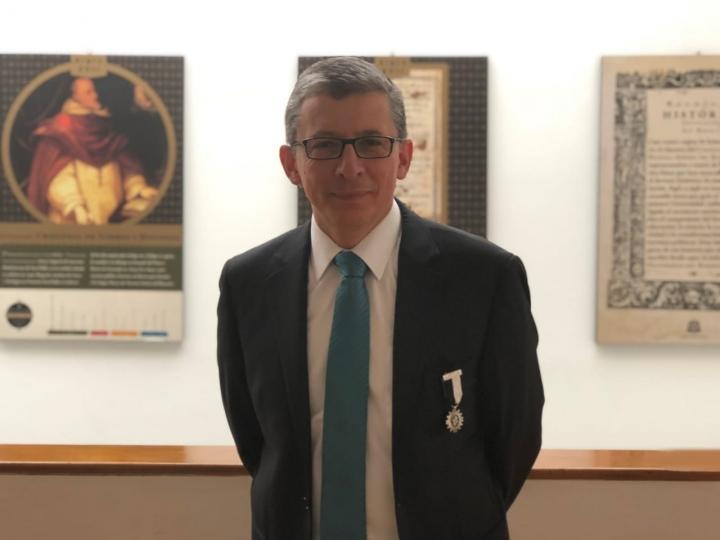 El economista Alejandro Cheyne fue elegido como rector de la Universidad del Rosario.