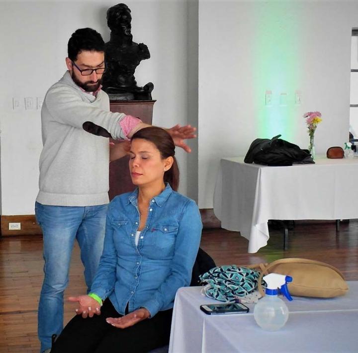 Los asistentes exploraron el poder emocional, espiritual, mental y físico, por medio de su vinculación con los talleres de Sanación Pránica