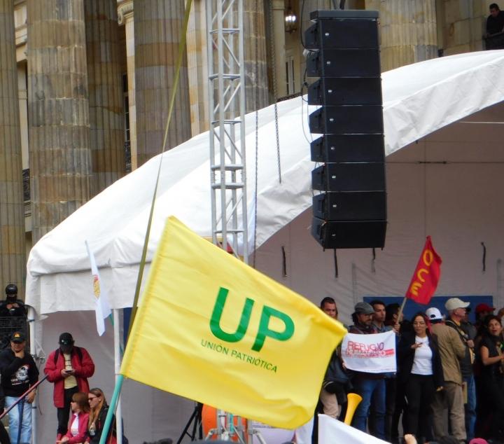 El partido político Unión Patriótica (UP) también se unió para protestar contra el Plan Nacional de Desarrollo.