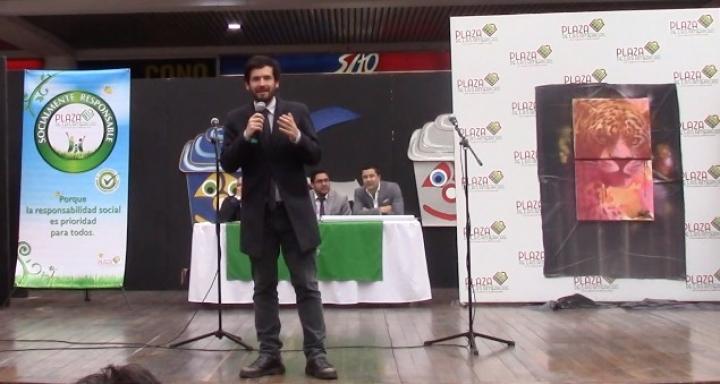 Al frente Juan Carlos Lozada (Partido Liberal), detrás de él y al lado de pintura está Ángelo Gravias y a su izquierda Diego Daza (ambos de la Secretaría de Ambiente). Crédito: Viviam Leguizamon