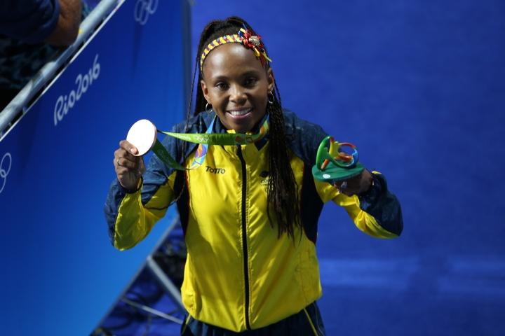 Ingrit Valencia con la medalla de bronce obtenida en los Juegos Olímpicos Río 2016.