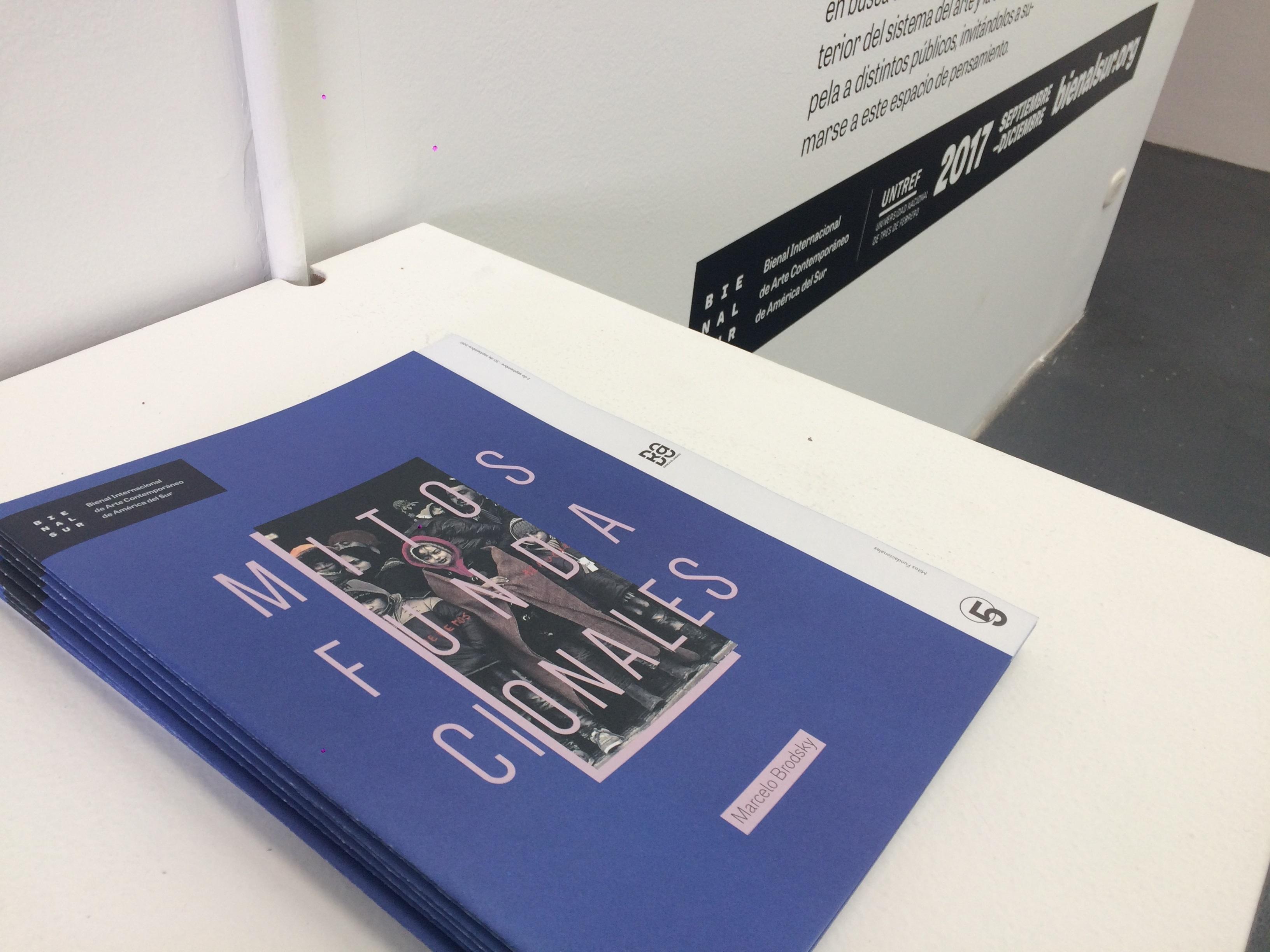 Marcelo Brodsky expone en Bogotá sus fotografías intervenidas