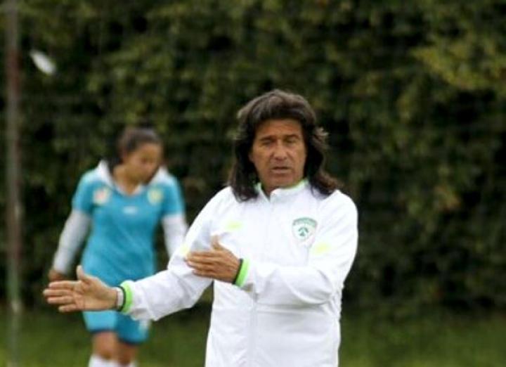 Álvaro Duarte, ex jugador de fútbol profesional colombiano, ahora entrenador.