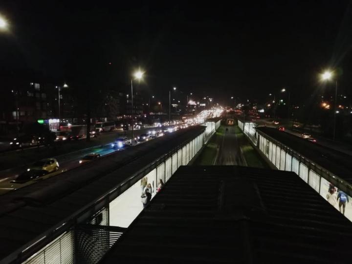 Avenida Calle 26, noche antes del día sin carro