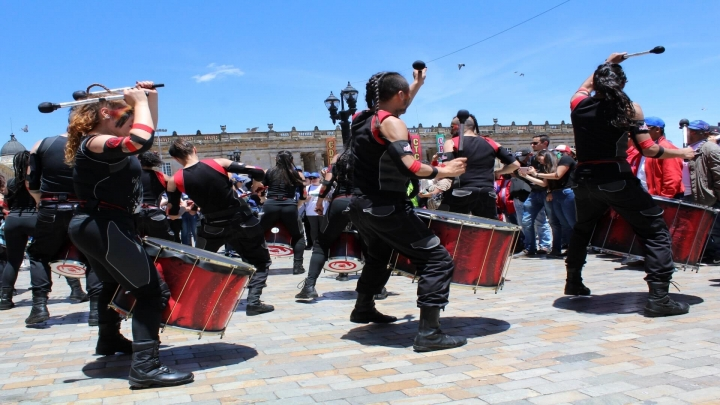 Los tambores se sumaron a las voces de denuncia dentro de la Plaza de Bolívar