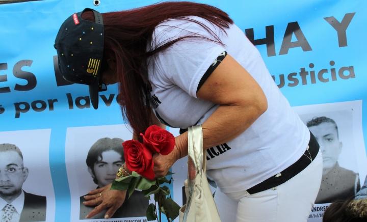 Las madres lloran por la impunidad de la muerte de sus hijos.