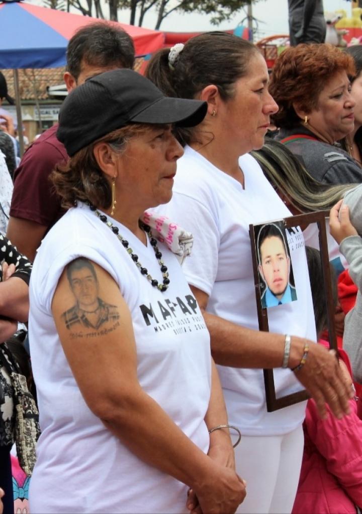 Las madres exigen verdad y respeto por la memoria de sus hijos.