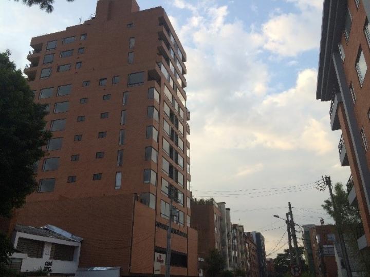 Construcción de edificios altos causa descontento en Puente Largo