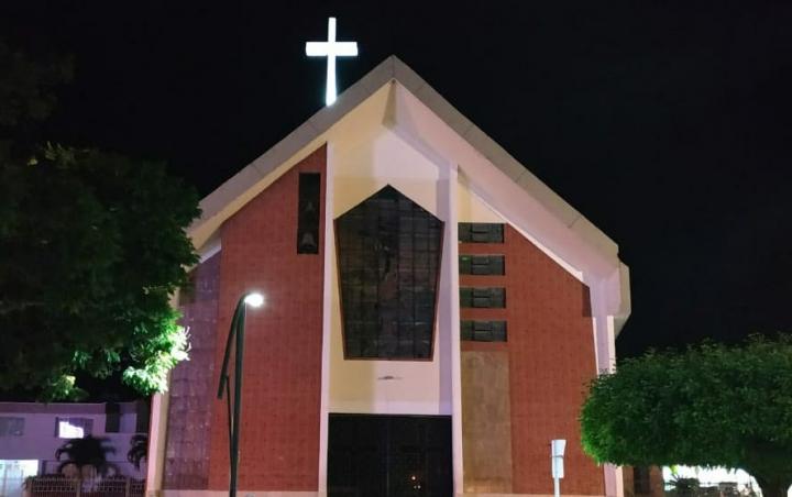 Iglesia de San Sebastián siempre ha sido un referente del pueblo. El 28 de septiembre de 2013 las personas ya no cabían dentro de ella.