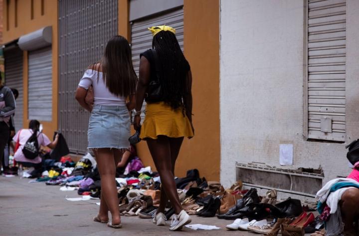 Según la Veeduría Distrital, el 79,5% de las mujeres que ejercen la prostitución dicen que lo hacen por su situación económica