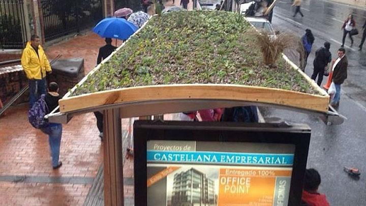 Cubiertas verdes en estaciones de Transmilenio