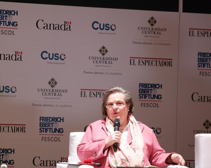 Clara López, fórmula vicepresidencial de Humberto de La Calle. Crédito fotos: Camila Rodríguez y Camila Carrillo