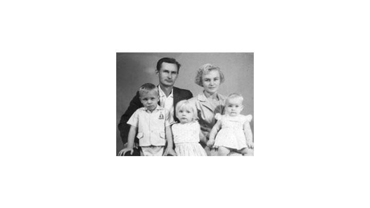 Antanas Jurksaitis(padre), Regina Lukauskis, Kestutis Jurksaitis, Birute Jurksaitis y Danute Jurksaitis.