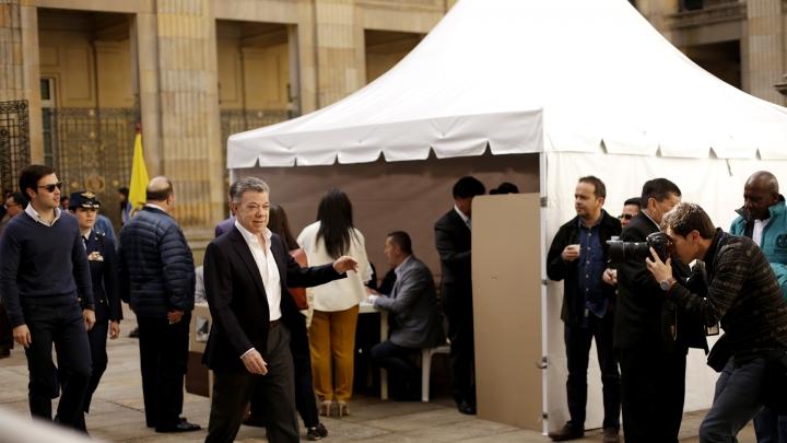 El Presidente de la República, Juan Manuel Santos, después de haber votado en el Congreso. Crédito: Fátima Martínez