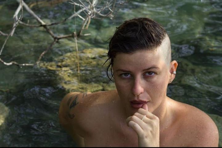 Alicia en la laguna de Bacalar