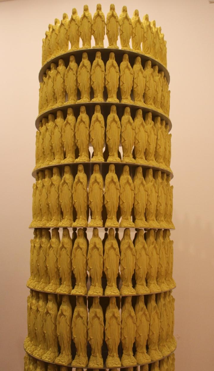 Nombre: Warengestell mit maddonnen, artista: Katharina Fritsch. Foto por:  Luz Mariana Rojas Zawadzky
