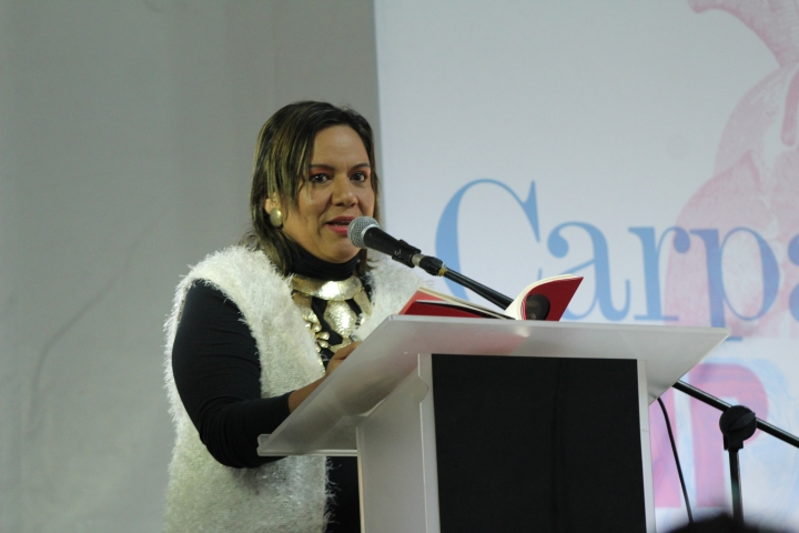 Patricia Collazos es la maestra de ceremonia en eventos de las fiestas del San Pedro en Neiva. Crédito de la foto: Silvia Bayona