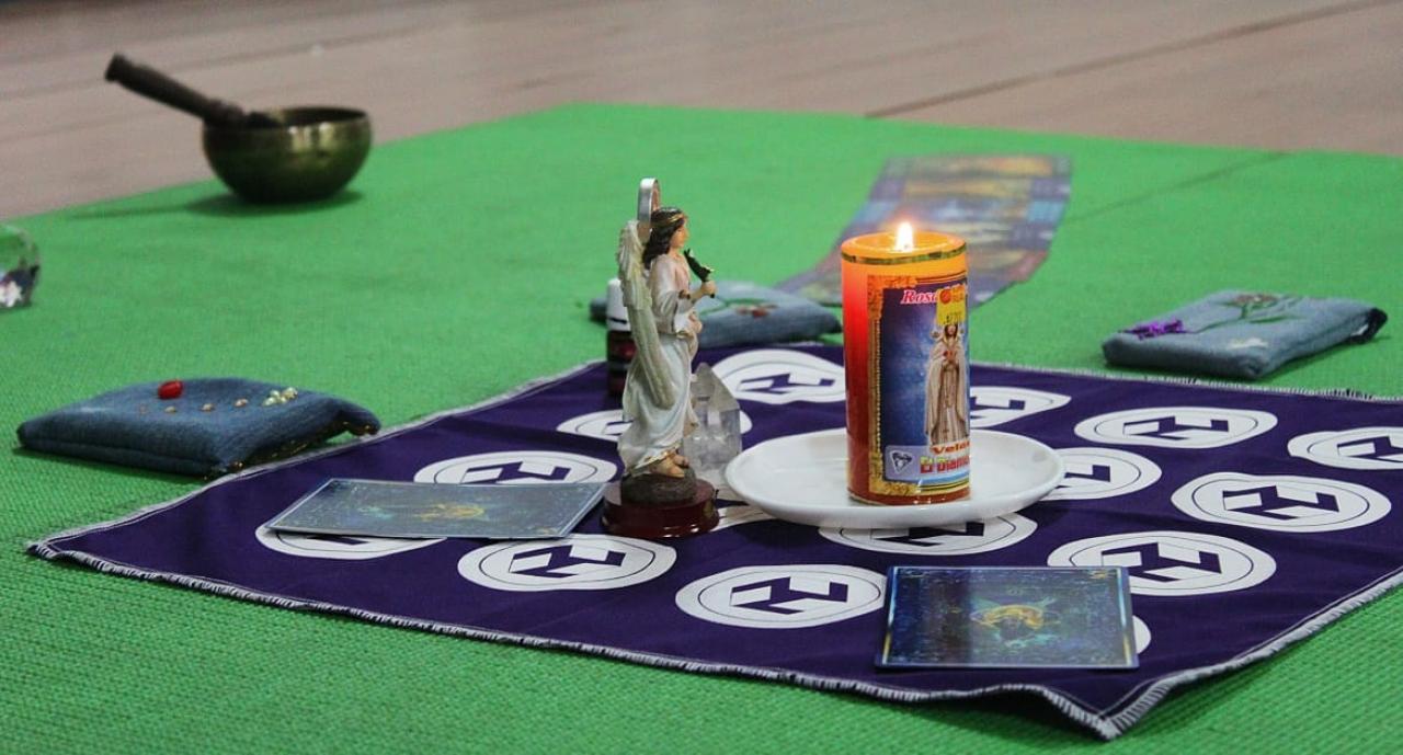 Meditando con ángeles