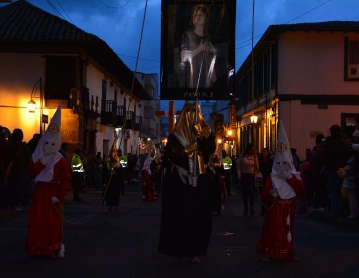 Los orígenes de esta tradición datan de 1607. Los cargueros más antiguos señalan que se mantienen las características iniciales de la procesión