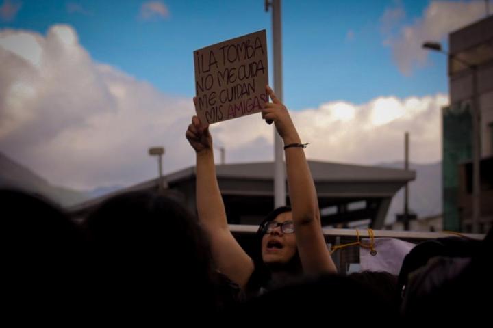 Los carteles también hablan