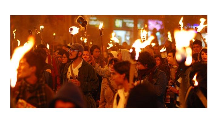 """""""Marcha de las antorchas"""" conmemora 64 años del asesinato de Jorge Eliécer Gaitán"""