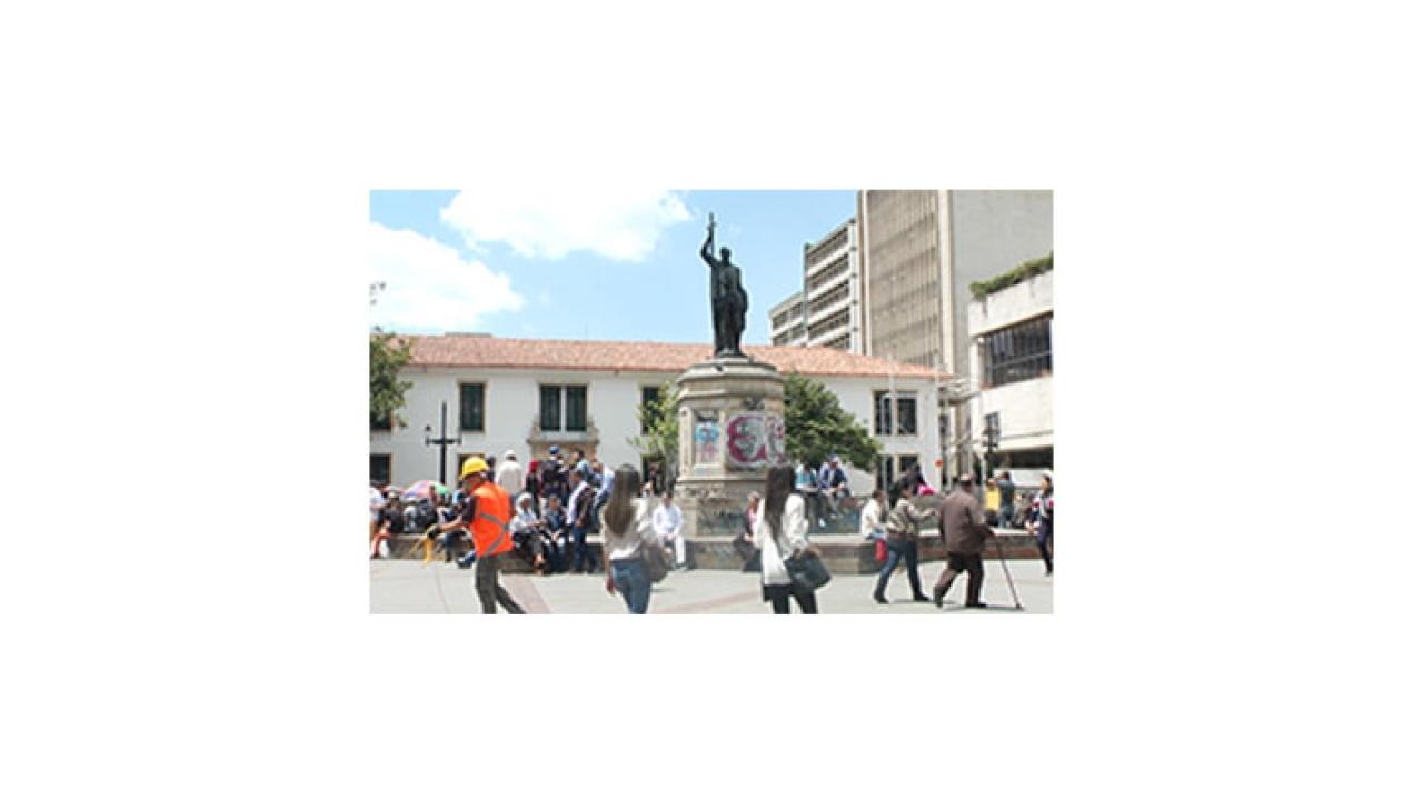 ¿Cuánto le cuesta al distrito restaurar monumentos en la ciudad?