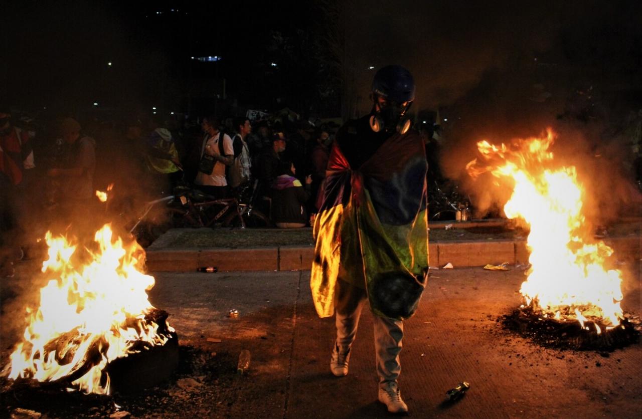 En Colombia, primero se enseña a odiar y después a...