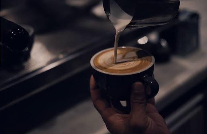 Colombia es el segundo productor de café del mundo después de Brasil y la marca más representativa en Colombia es Juan Valdés.