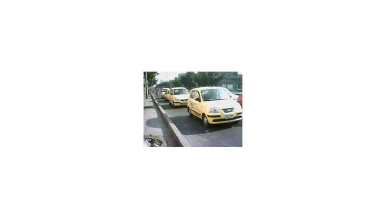 Denuncia de sobrecobros en tarifas de taxis a la web