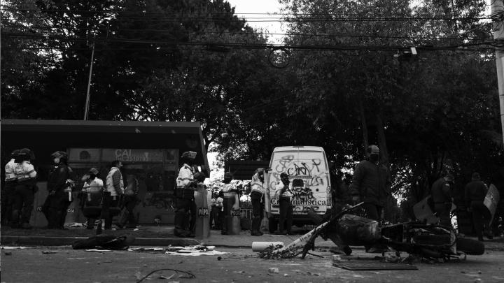 Disturbios frente al CAI de Villa Luz