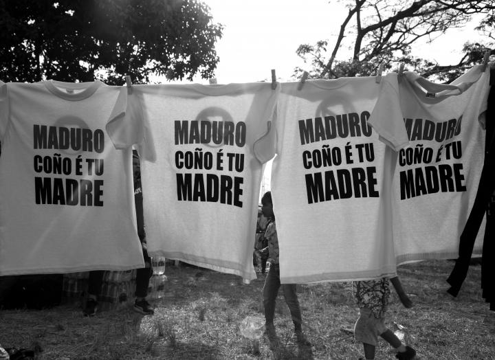 Frontera entre Colombia y Venezuela con mensajes contra Nicolás Maduro