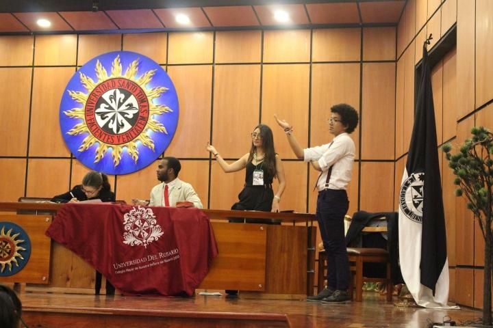 ¿Cómo entrenan los bicampeones mundiales de debate?
