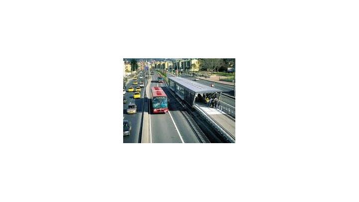 Mas pequeñas y angostas serían las estaciones del TransMilenio ligero por la séptima.