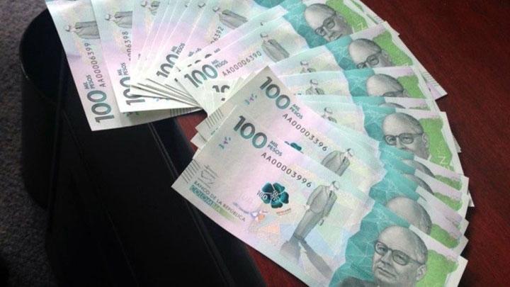 Billetes de cien mil