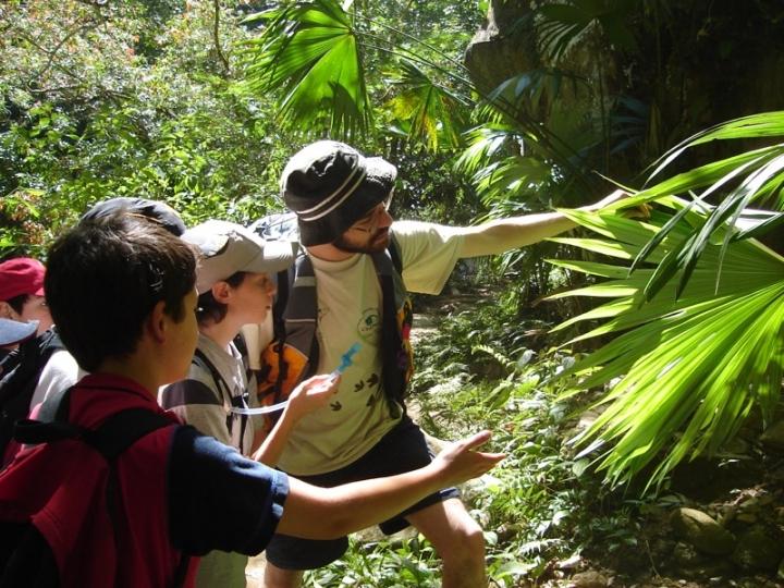 En el nuevo método de educación ambiental, el profesor es solo un intermediario entre el aprendizaje del niño y la naturaleza.