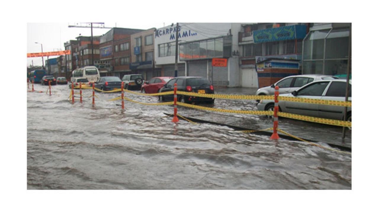 Caos vehicular en Bogotá a causa de nueva temporada de lluvias