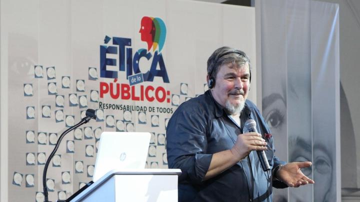 """Georg Lind en la lección inaugural de la Universidad del Rosario """"Ética de lo Público: responsabilidad de todos"""". Crédito fotografía: Gustavo Arbeláez."""