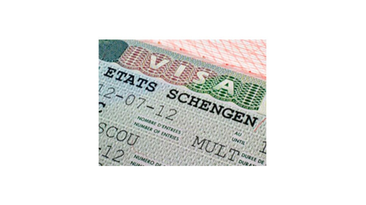 La embajadora de la Unión Europea aclara dudas sobre la eliminación del Visado Schengen