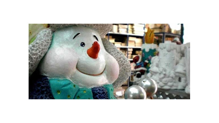 Desde finales de Septiembre se alistan los almacenes en la calle 53 para la temporada decembrina.