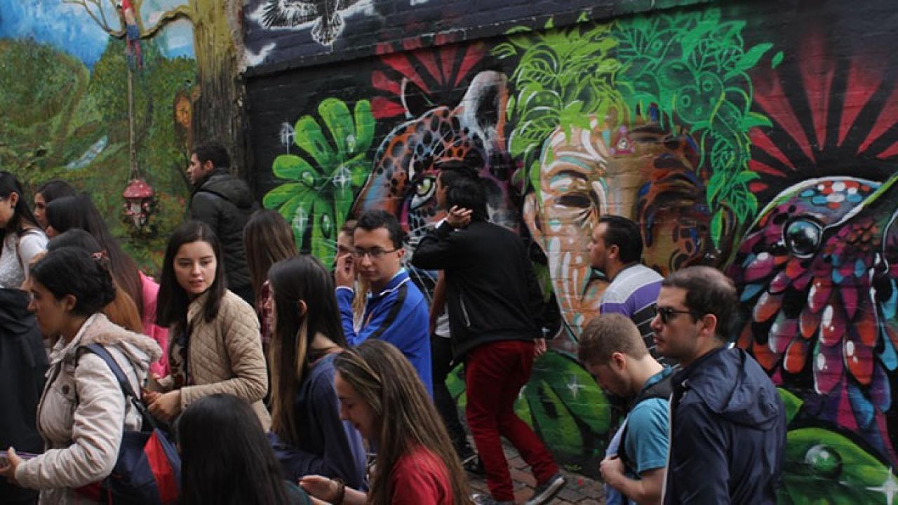Grafiti Tour: Un recorrido entre lo colonial y el arte callejero