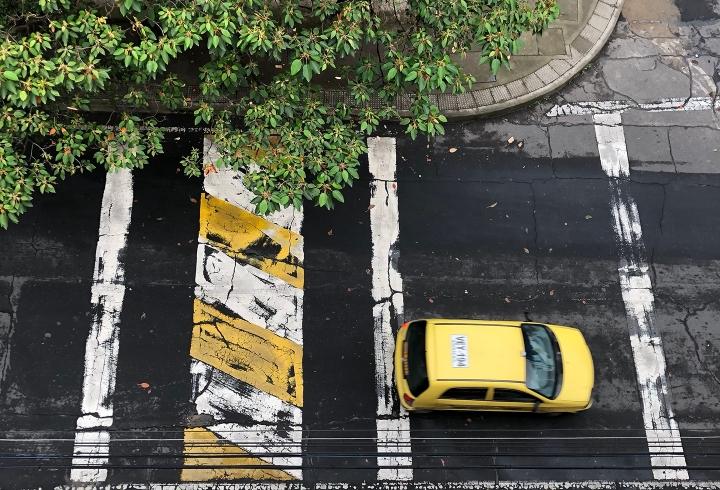 Taxi por carrera 6, Bosque Calderón
