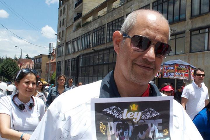 Armando Isaza estaba acompañado de Príncipe cuando el enfrentamiento con Juan Sebastián Toro acabó con la vida de su mascota.