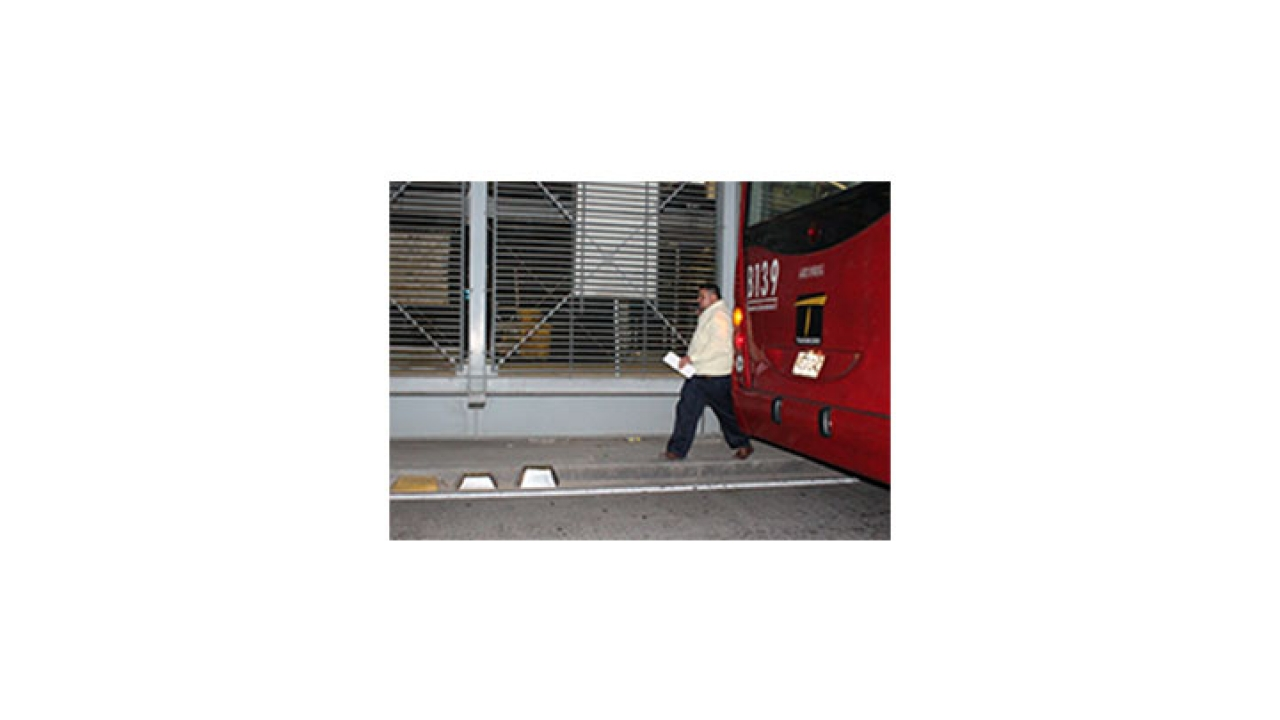 Fotodenuncia del día: Usuarios imprudentes en la estación de San Mateo
