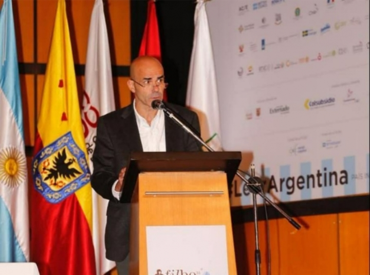 """Argentina se preparó para salir a la cancha en Colombia"": Eduardo Sacheri en la apertura de la Filbo 2018"