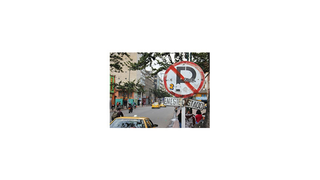 Señales de tránsito son víctimas del vandalismo
