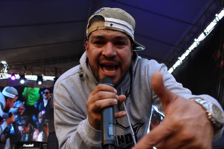 Alí A.K.A. Mind, el rapero bogotano hizo énfasis en transmitir mensajes sociales durante su presentación.