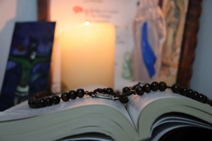 Algunos fieles desean seguir tomando las ceremonias religiosas vía internet para evitar el contagio por Covid-19.