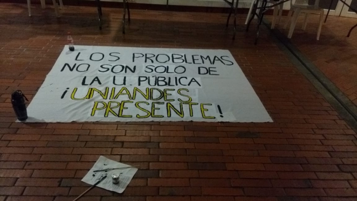 Estudiantes de universidades públicas y privadas marchan por la educación